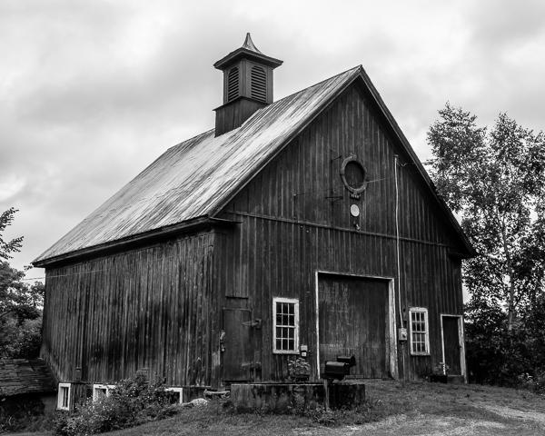 Barn (Newport, NH)
